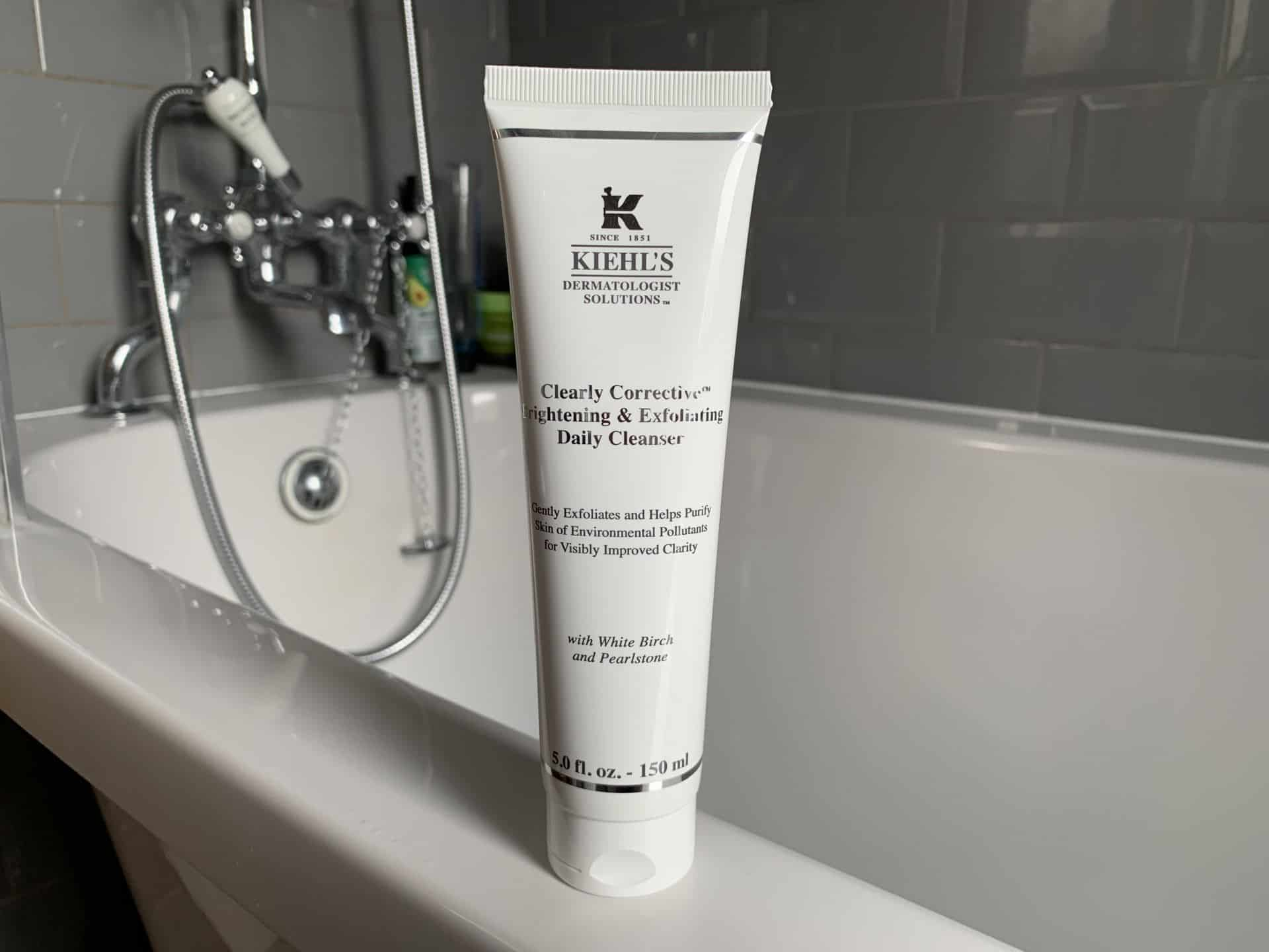 Kiehl's Clearly Corrective Brightening & Exfoliating Daily Cleanser